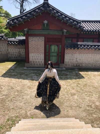 chang deok gung hanbok backview qh